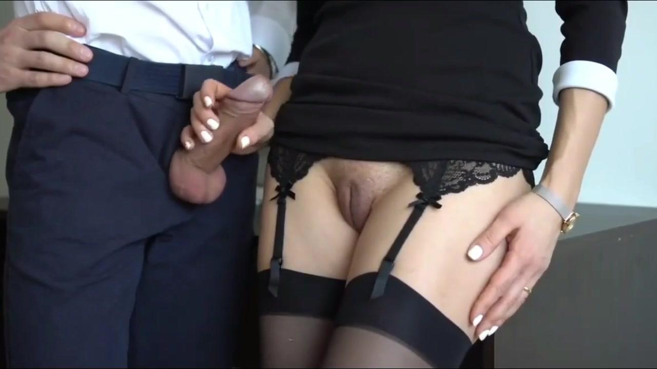 Секретарша В Белой Блузке, Проводит Порно Кастинг С Молодым Парнем, Чьё Тело Разукрашено Татуировками Смотреть