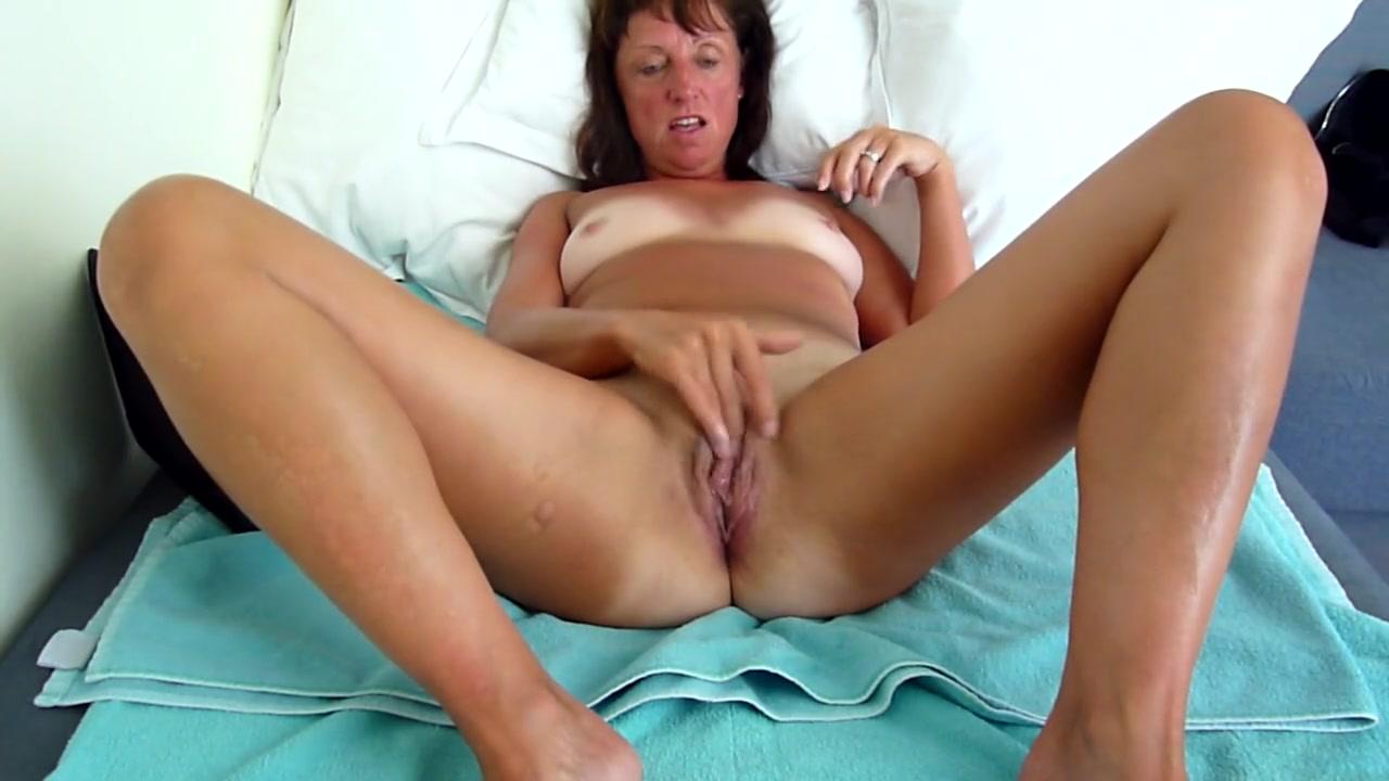 Зрелая Мадам Показывает Ноги На Вебкамеру