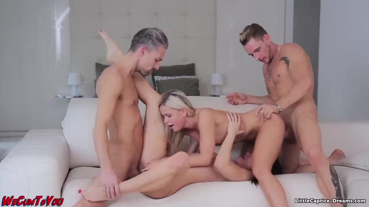 Анальный групповой секс двух молодых с французским любовником